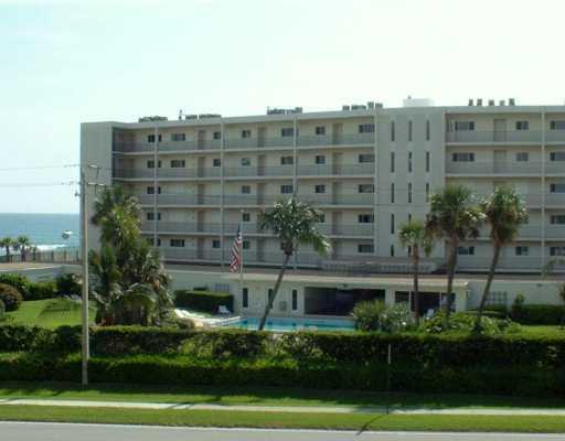 Home for sale in REGENCY CONDO APTS Tequesta Florida