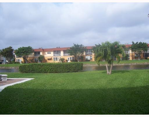 32 Sheffield B, West Palm Beach, FL 33417