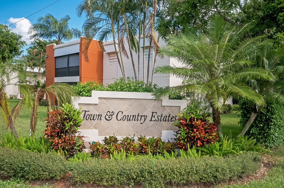 2429 Jaeger Drive 1c Delray Beach Fl 33444 Rx 10280565 In Town Amp Country Estates Condo