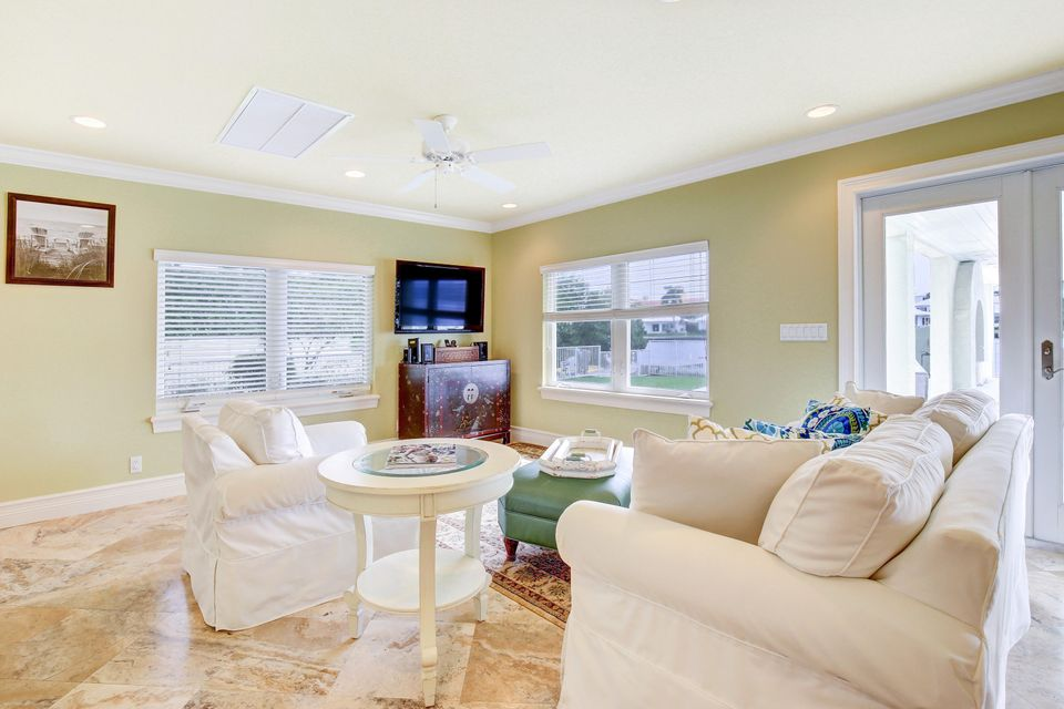 Additional photo for property listing at 418 Beach Curve Road 418 Beach Curve Road Lantana, Florida 33462 États-Unis
