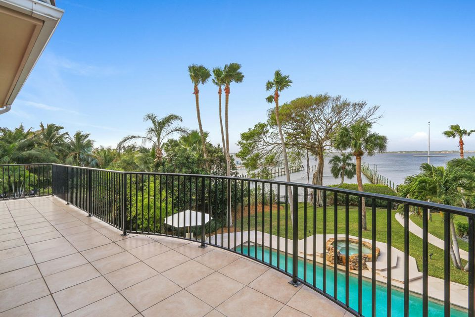 Additional photo for property listing at 1990 NE Ocean Boulevard 1990 NE Ocean Boulevard Stuart, Florida 34996 États-Unis