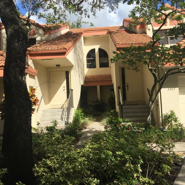Home for sale in EMERALD OAKS #13 CONDO Hollywood Florida