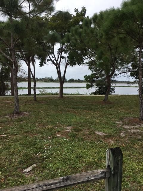Additional photo for property listing at 3502 Lake Osborne Drive 3502 Lake Osborne Drive Lake Worth, Florida 33461 Estados Unidos