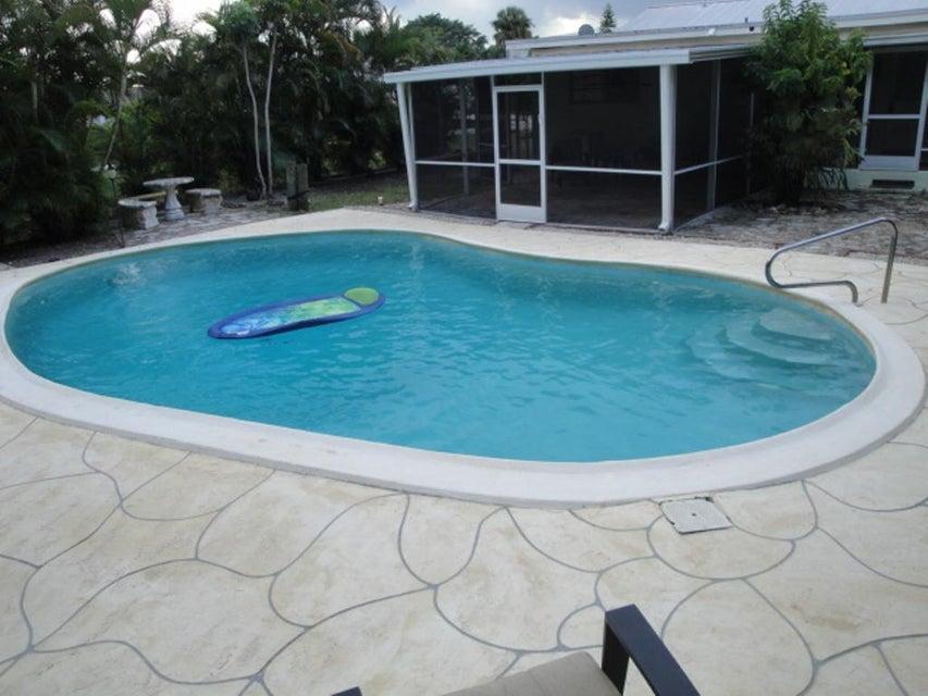 Additional photo for property listing at 1023 SE 7th Street 1023 SE 7th Street Stuart, Florida 34996 United States