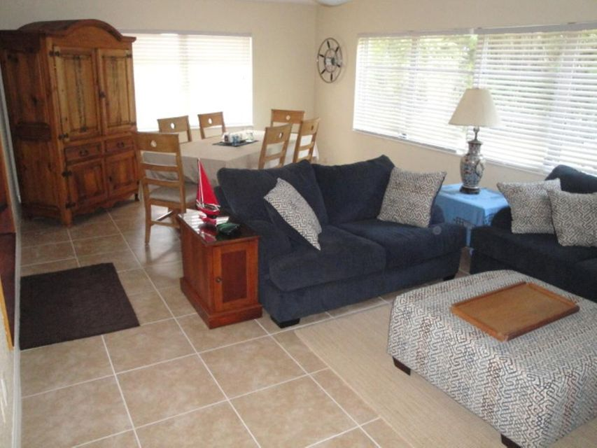 Additional photo for property listing at 1023 SE 7th Street 1023 SE 7th Street Stuart, Florida 34996 Vereinigte Staaten