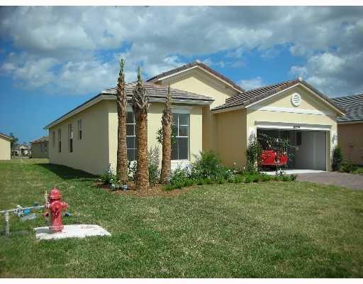 10024 SW Glenbrook Drive, Port Saint Lucie, FL 34987