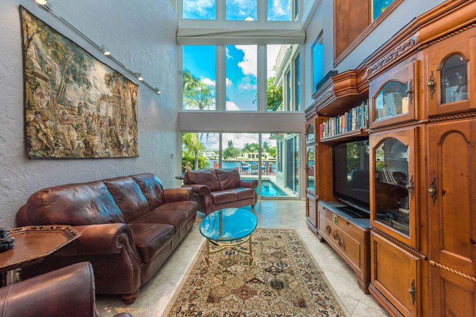 Additional photo for property listing at 628 SE 5th Street 628 SE 5th Street Delray Beach, Florida 33483 États-Unis