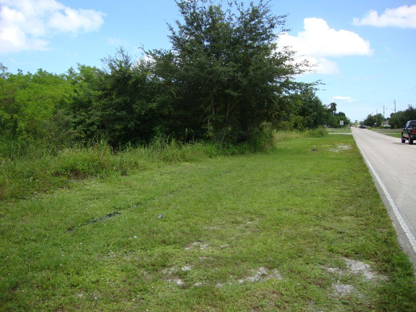 Land for Sale at 115 SW Oakridge Drive SW 115 SW Oakridge Drive SW Port St. Lucie, Florida 34984 United States