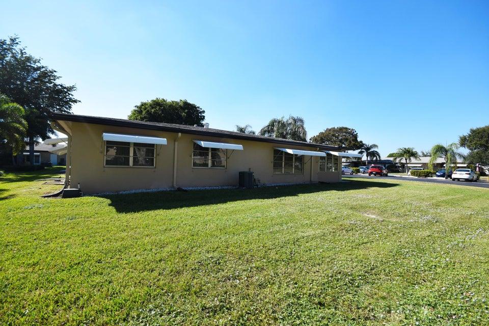 Co-op / Condominio por un Venta en 1050 North Drive 1050 North Drive Delray Beach, Florida 33445 Estados Unidos