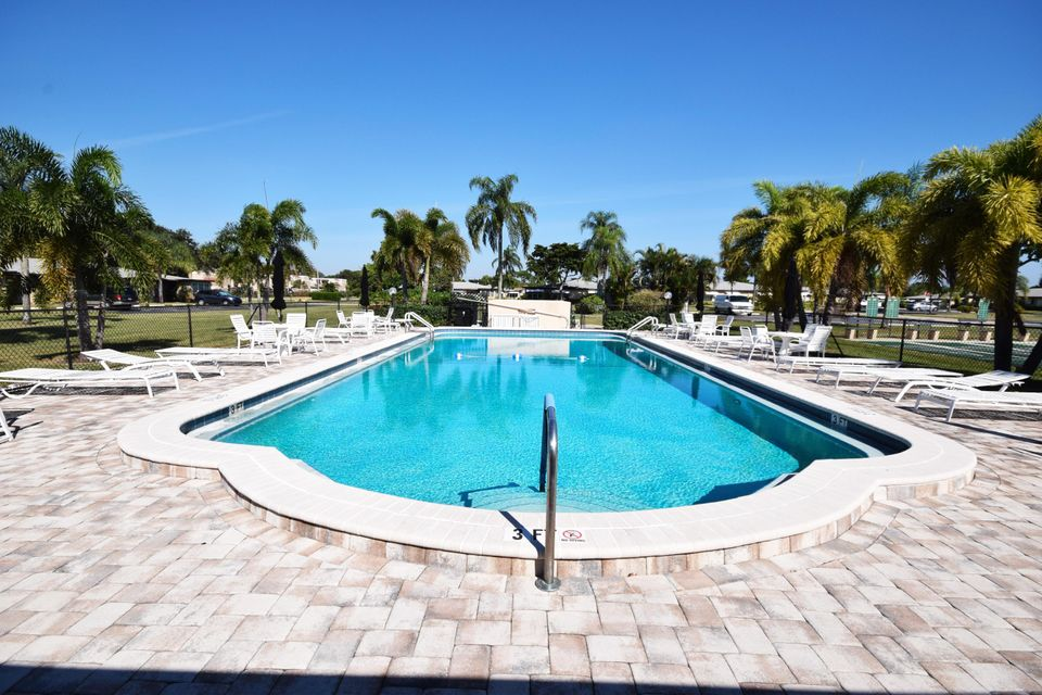 Additional photo for property listing at 1050 North Drive  Delray Beach, Florida 33445 United States