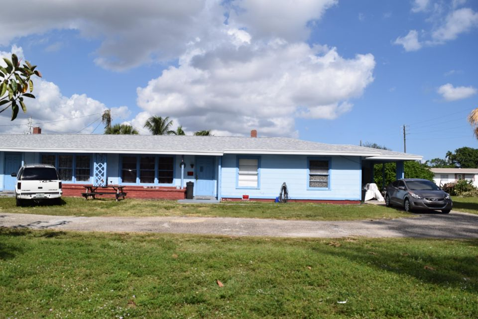 2607 Royal Palm Circle, West Palm Beach, FL 33409