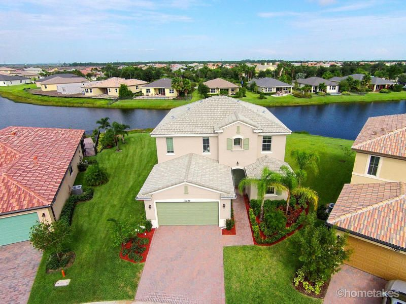 11400 SW Reston Court, Port Saint Lucie, FL 34986
