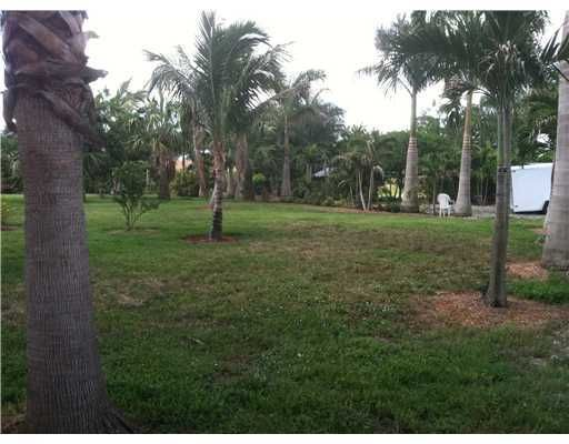Additional photo for property listing at 4780 Todd Street  Lake Worth, Florida 33463 États-Unis