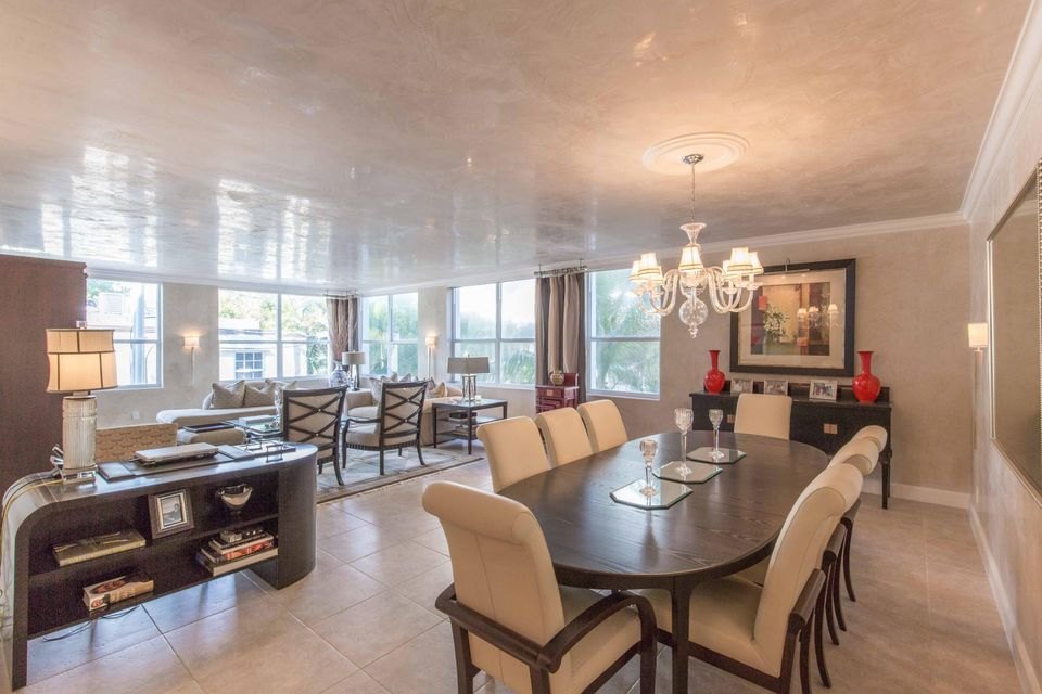 Additional photo for property listing at 340 S Ocean Boulevard 340 S Ocean Boulevard Palm Beach, Florida 33480 Estados Unidos