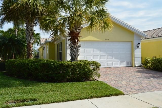 Villa for Sale at 10811 SW Elsinore Drive 10811 SW Elsinore Drive Port St. Lucie, Florida 34987 United States