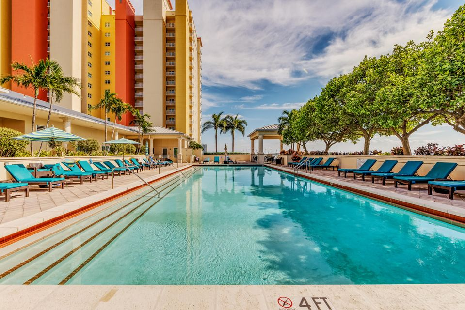 2650 Lake Shore Drive 406, Riviera Beach, FL 33404