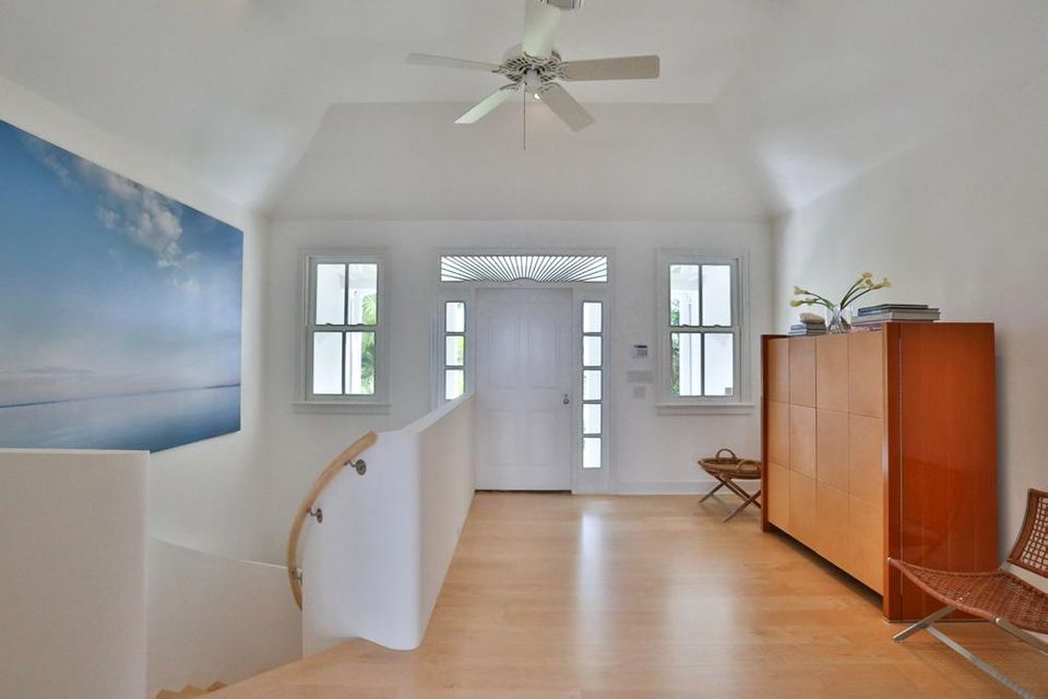 Additional photo for property listing at 409 N Atlantic Drive 409 N Atlantic Drive Lantana, Florida 33462 États-Unis