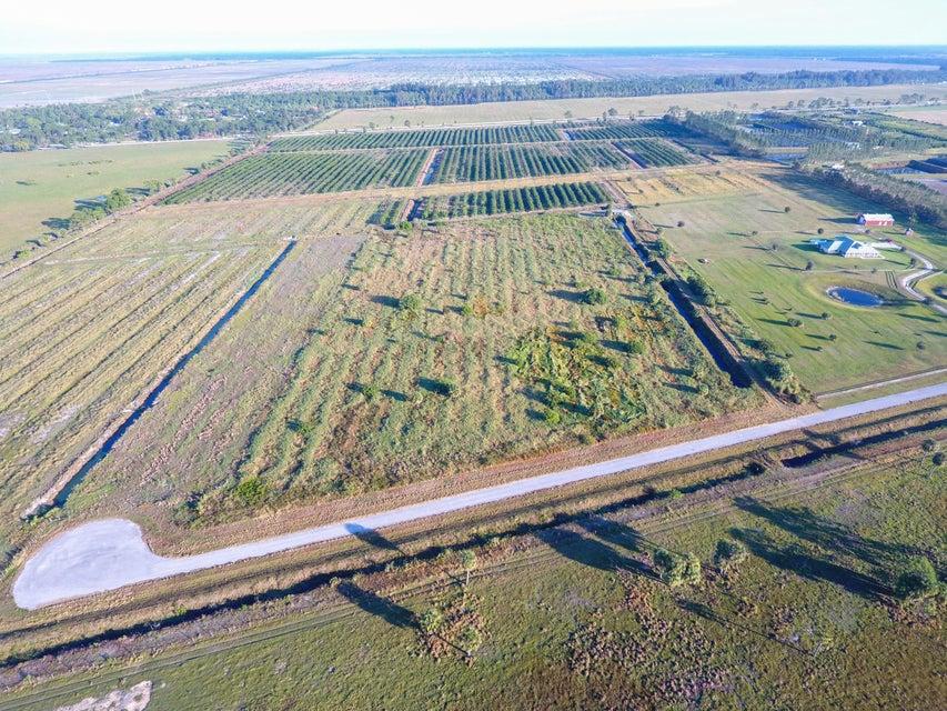 Agricultural Land für Verkauf beim 8201 SW Groveview Terrace 8201 SW Groveview Terrace Palm City, Florida 34990 Vereinigte Staaten