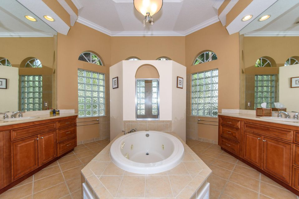 Additional photo for property listing at 12426 Equine Lane 12426 Equine Lane Wellington, Florida 33414 Estados Unidos