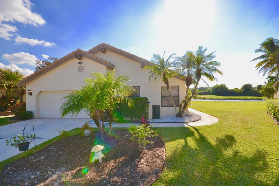 21464 Bridge View Dr, Boca Raton, FL 33428
