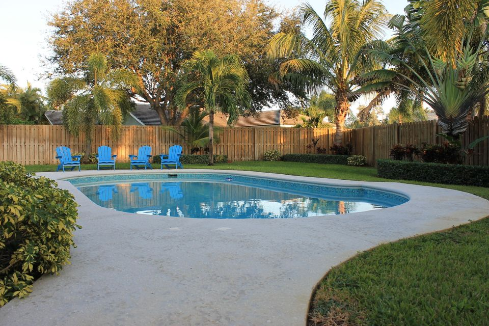 415 Enfield Road, Delray Beach, FL 33444