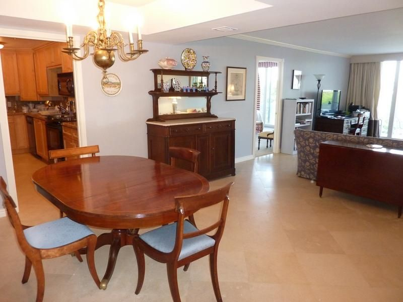 Additional photo for property listing at 130 Sunrise Avenue 130 Sunrise Avenue Palm Beach, Florida 33480 United States