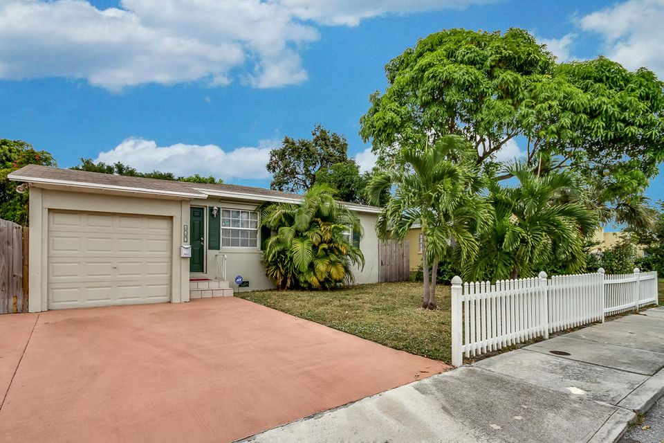 Home for sale in SOUTHERN BLVD PARK West Palm Beach Florida