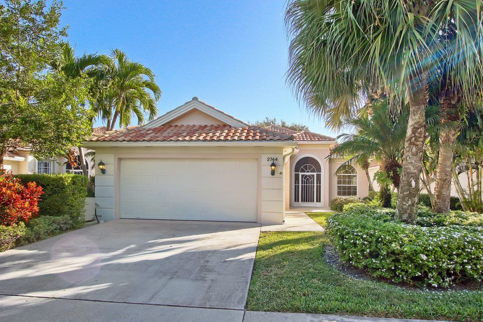 Maison unifamiliale pour l Vente à 2744 Muskegon Way 2744 Muskegon Way West Palm Beach, Florida 33411 États-Unis