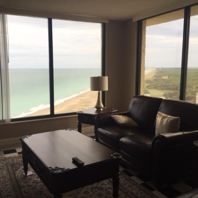 Additional photo for property listing at 2400 S Ocean Drive 2400 S Ocean Drive Hutchinson Island, Florida 34949 Estados Unidos
