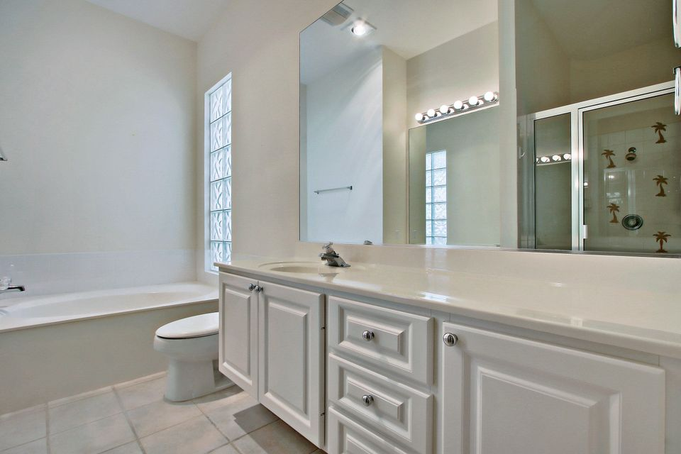 Additional photo for property listing at 2744 Muskegon Way  West Palm Beach, Florida 33411 États-Unis