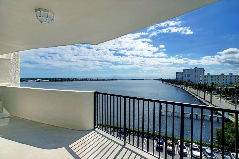 Co-op / Condo for Sale at 1200 S Flagler Drive 1200 S Flagler Drive West Palm Beach, Florida 33401 United States