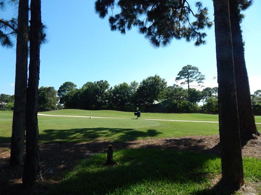 7325 Sea Pines Court, Port Saint Lucie, FL 34986