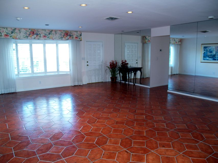 Additional photo for property listing at 134 Arlington Place  West Palm Beach, Florida 33405 États-Unis