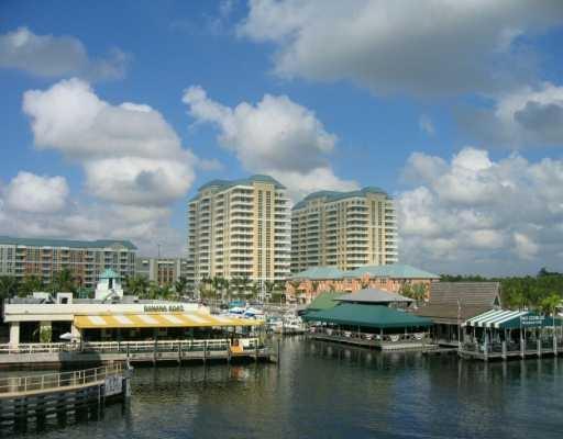 Co-op / Condo للـ Sale في 700 E Boynton Beach Boulevard Boynton Beach, Florida 33435 United States