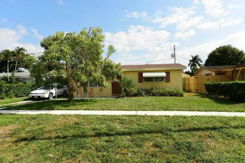 772 Gardenia Drive Royal Palm Beach, FL 33411