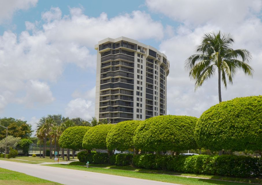 Additional photo for property listing at 2480 Presidential Way 2480 Presidential Way West Palm Beach, Florida 33401 United States