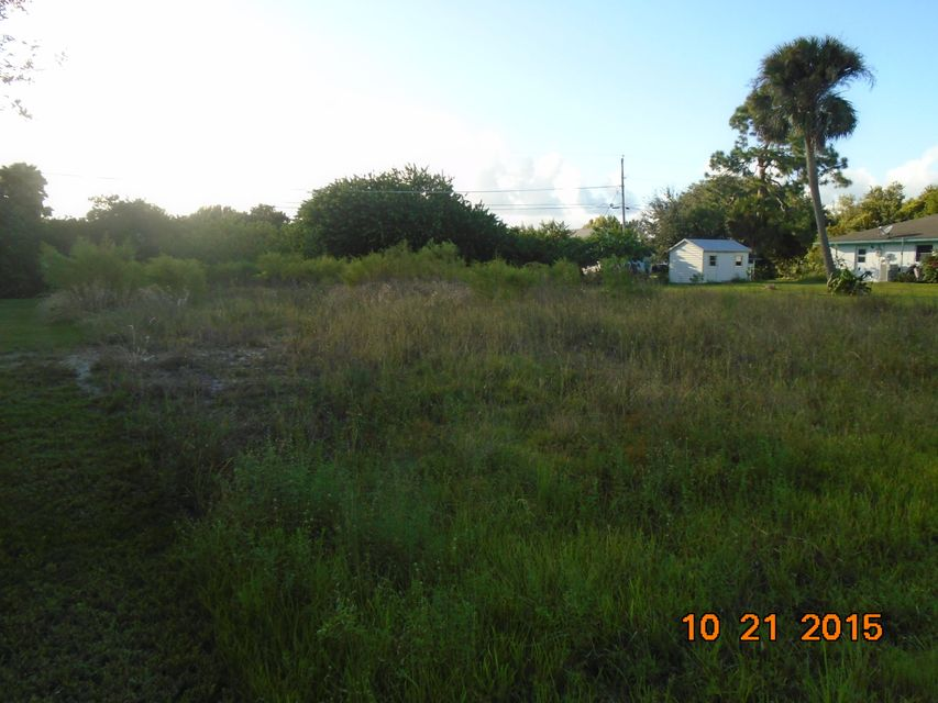 Additional photo for property listing at 8756 98th Court 8756 98th Court Vero Beach, Florida 32967 États-Unis