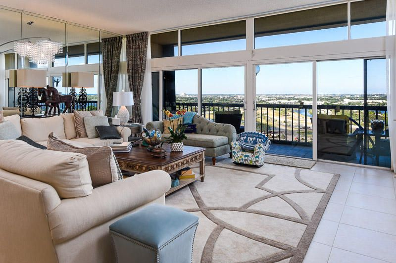 Co-op / Condo للـ Sale في 2480 Presidential Way 2480 Presidential Way West Palm Beach, Florida 33401 United States