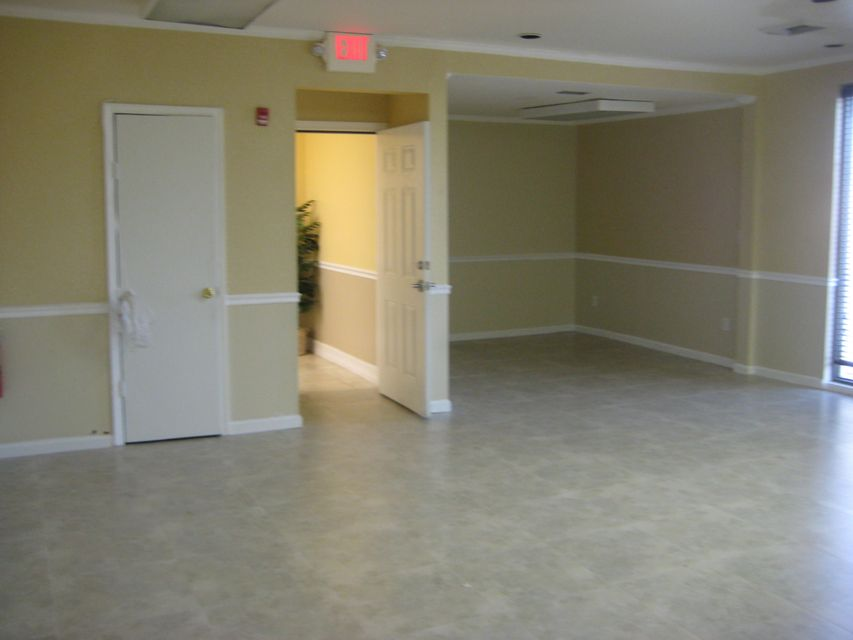 3500 N State Road 7 #203, Lauderdale Lakes, FL 33319