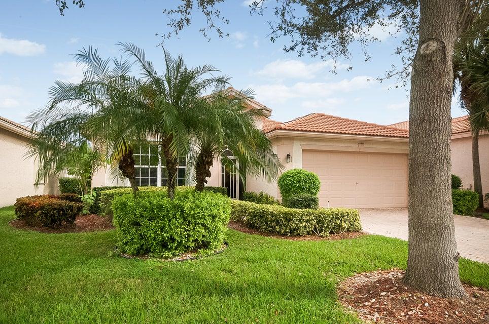 13732 Plaza Mayor Drive, Delray Beach, FL 33446