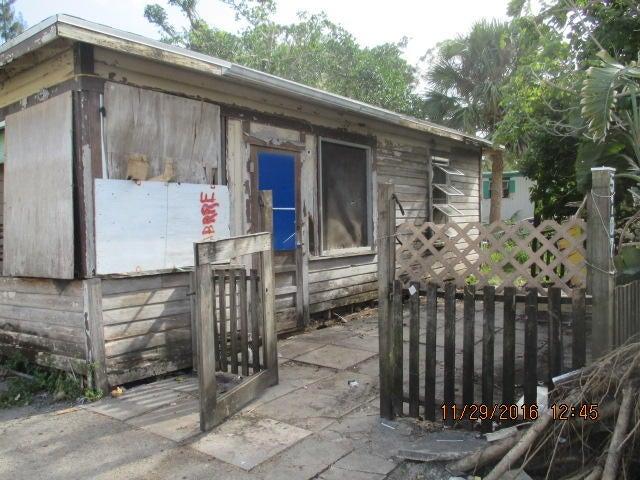 5107 SE Isabelita Avenue, Stuart, FL 34997