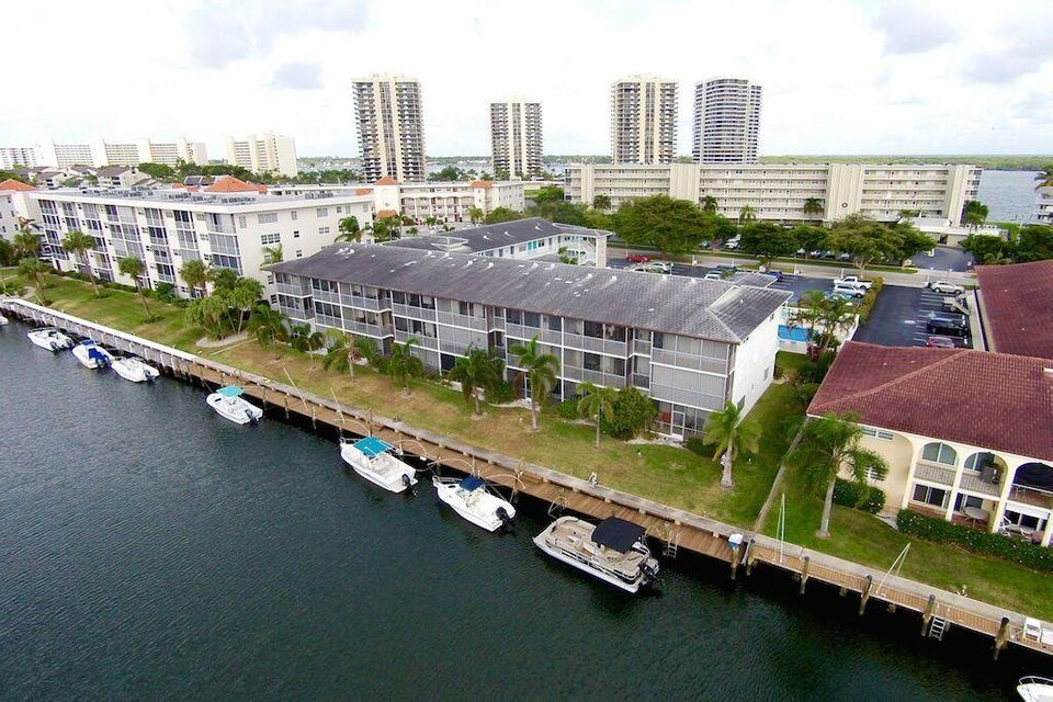 37 Yacht Club Drive 203, North Palm Beach, FL 33408