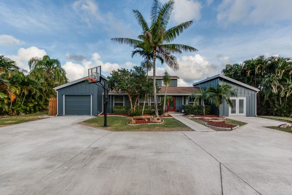 129 Cleveland Road , Lake Worth FL 33467 is listed for sale as MLS Listing RX-10287859 42 photos