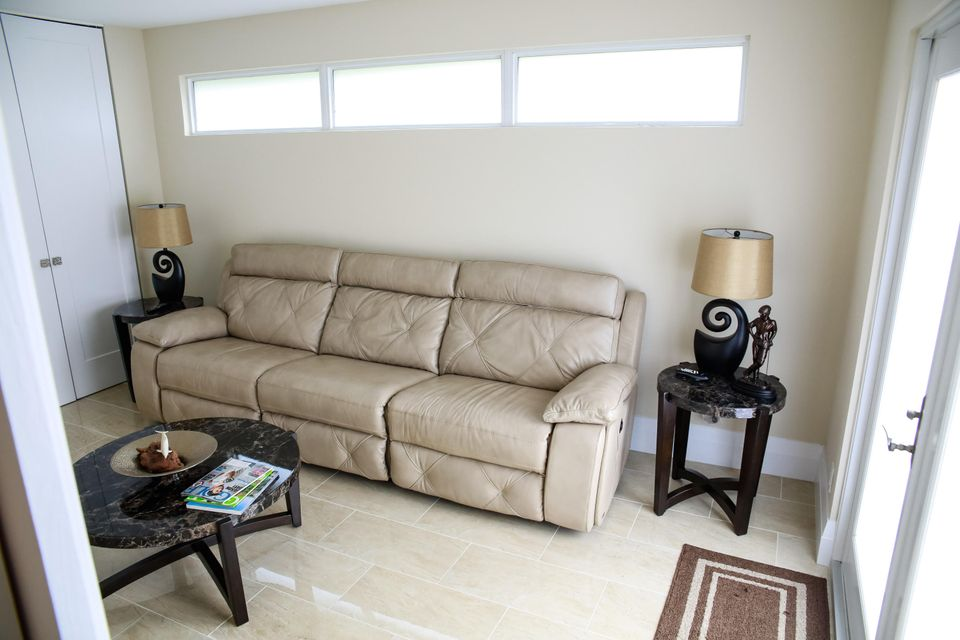 Additional photo for property listing at 14 Garden Drive 14 Garden Drive Boynton Beach, Florida 33436 United States