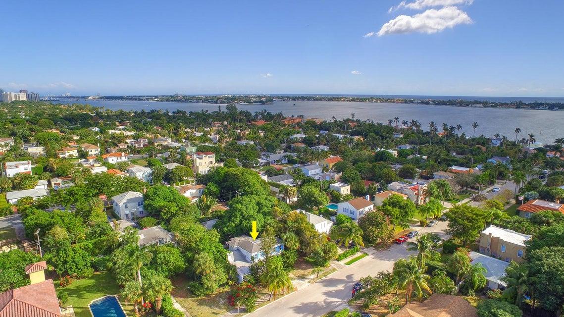215 Edgewood Drive  West Palm Beach, FL 33405