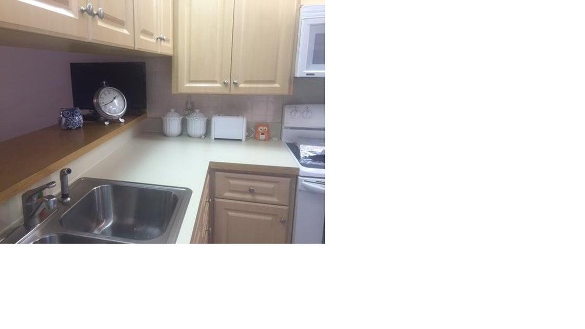Additional photo for property listing at 2441 Village Blvd  West Palm Beach, Florida 33409 Vereinigte Staaten