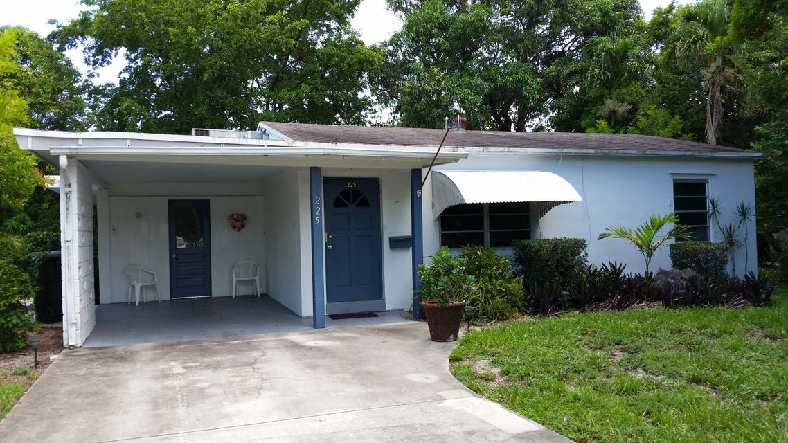 225 NW 4th Diagonal, Boca Raton, FL 33432