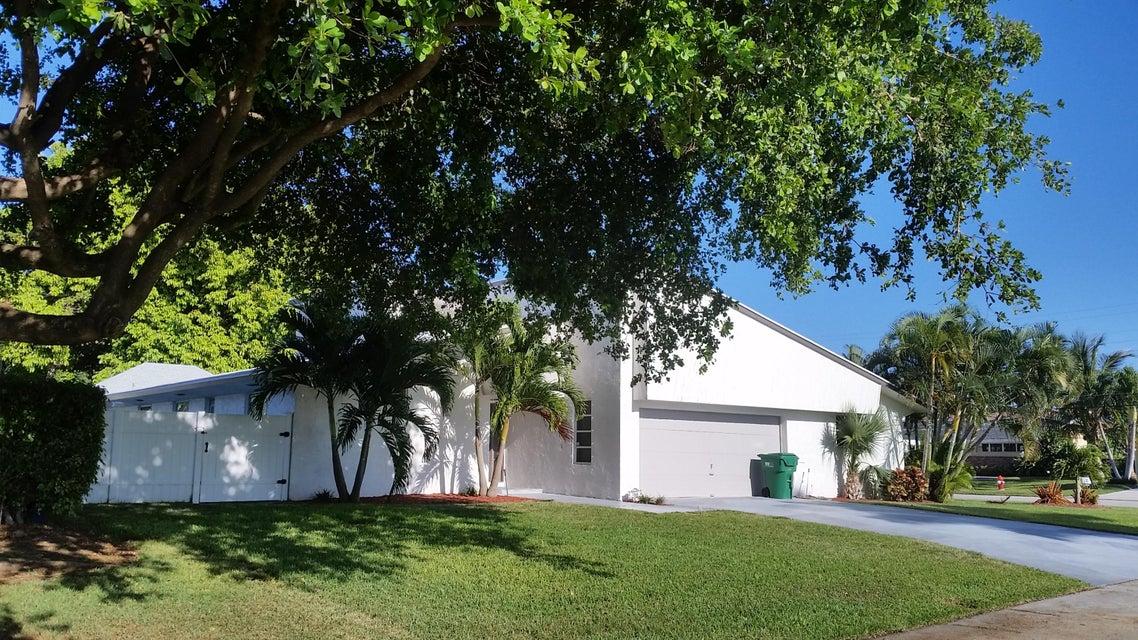 1140 Coral Way, Riviera Beach, FL 33404