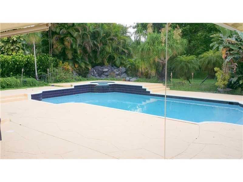21070 N Sweetwater Lane, Boca Raton, FL 33428
