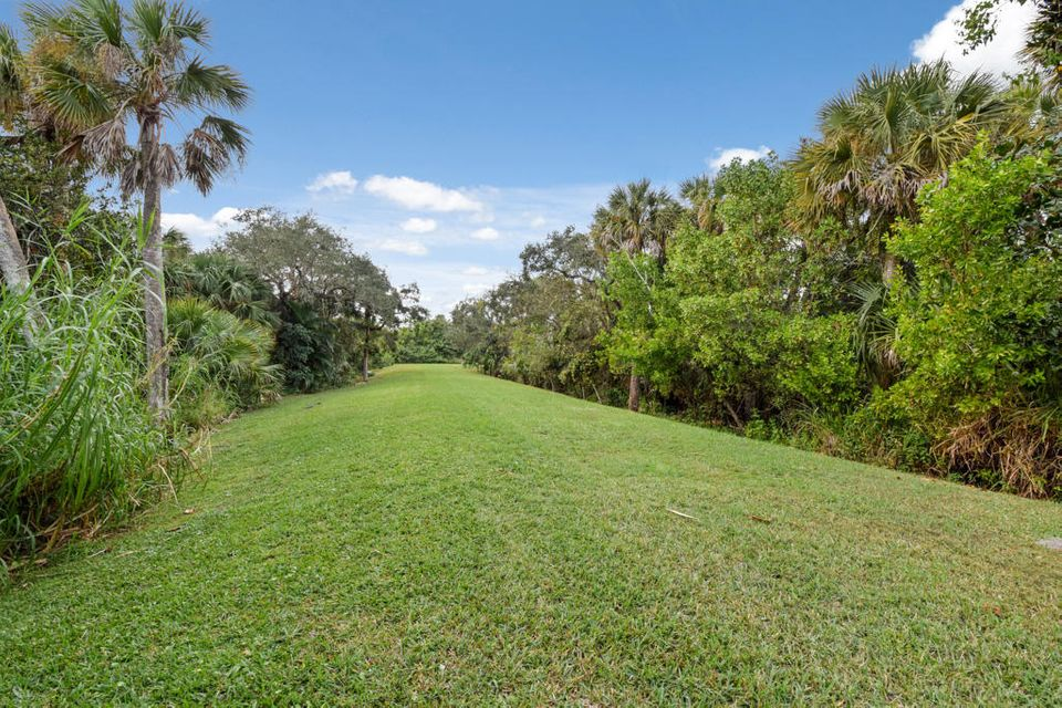 Additional photo for property listing at 1345 SW Estates Place 1345 SW Estates Place Palm City, Florida 34990 Estados Unidos
